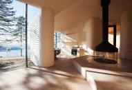 Дом на берегу озера в Норвегии