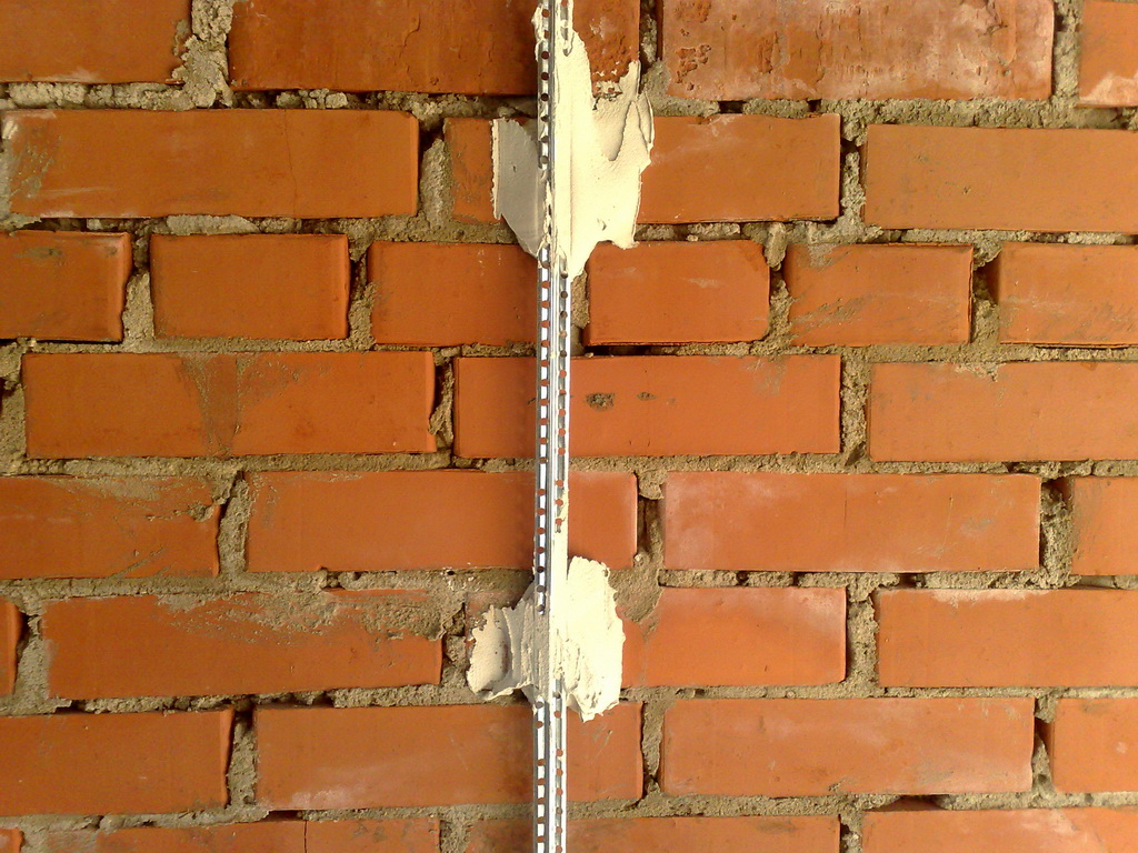 [Как установить маяки на стене своими руками